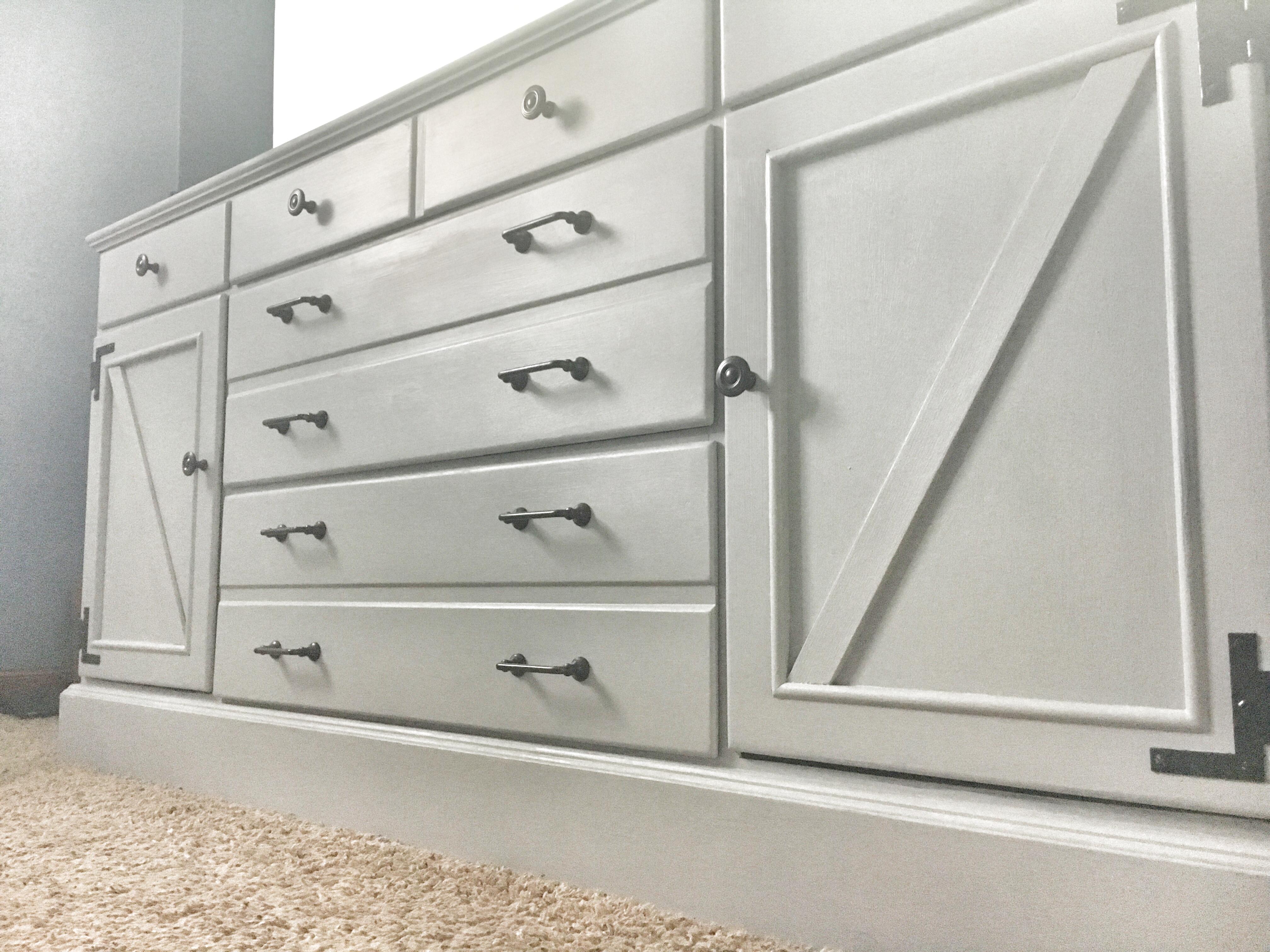 farmhouse dresser update, chalk paint, modern hardware